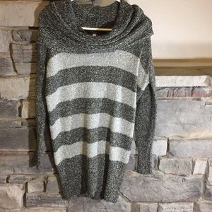 Small Kensie Grey Striped Sweater